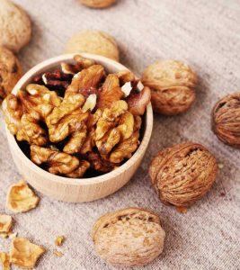 अखरोट के फायदे, उपयोग और नुकसान – All About Walnut (Akhrot) in Hindi