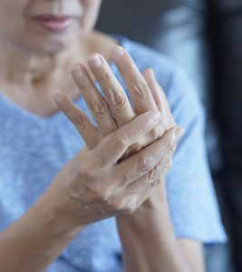 Arthritis Symptoms and Home Remedies in Hindi