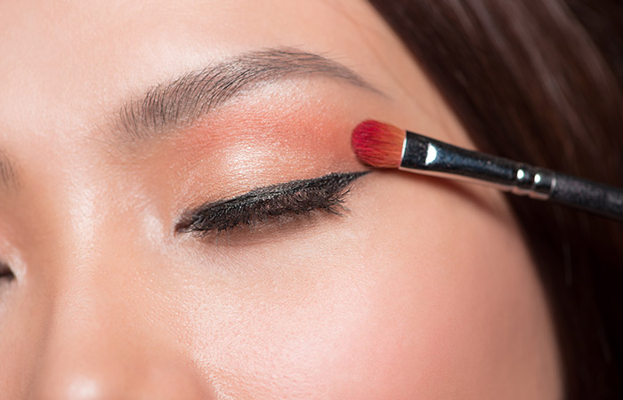Eye Makeup for Party in Hindi