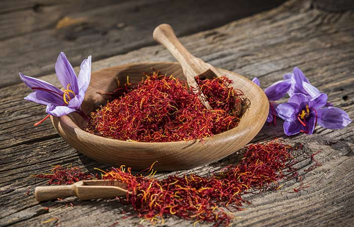 Saffron for the dark circles in hindi