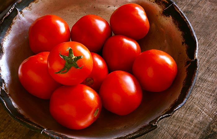 Tomatoes for dark circles in hindi