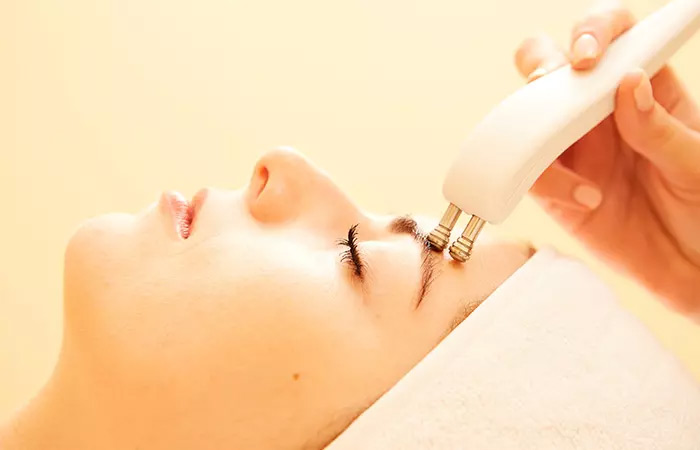 What Are Microcurrent Facial Machines
