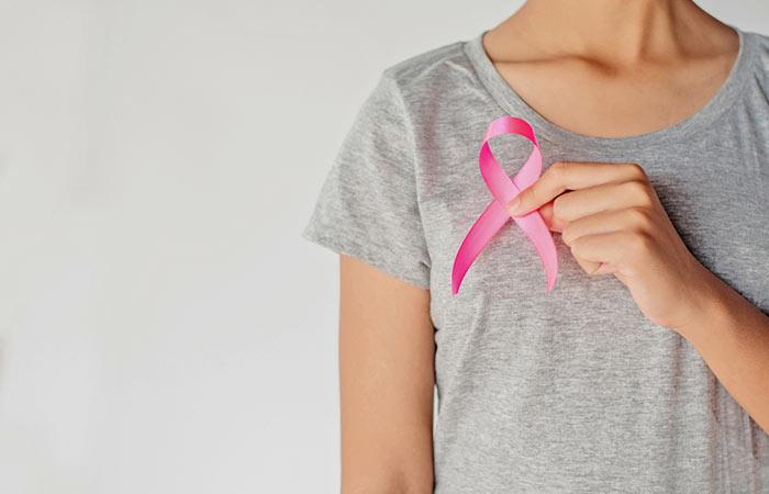 1. स्तन कैंसर के लिए अंगूर के फायदे