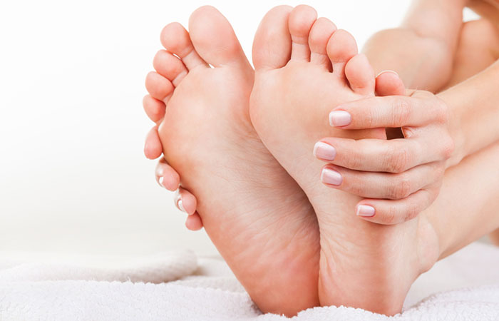 Baking Soda for the feet in hindi