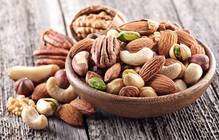 Vajan badhane ke liye Nuts