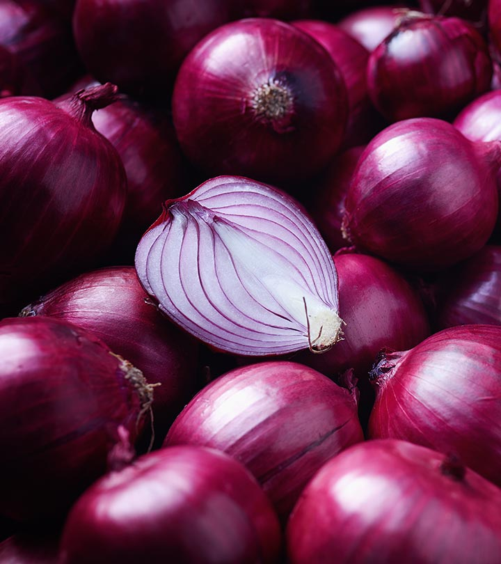 Onion (Pyaj) Benefits, Uses and Side Effects in Hindi