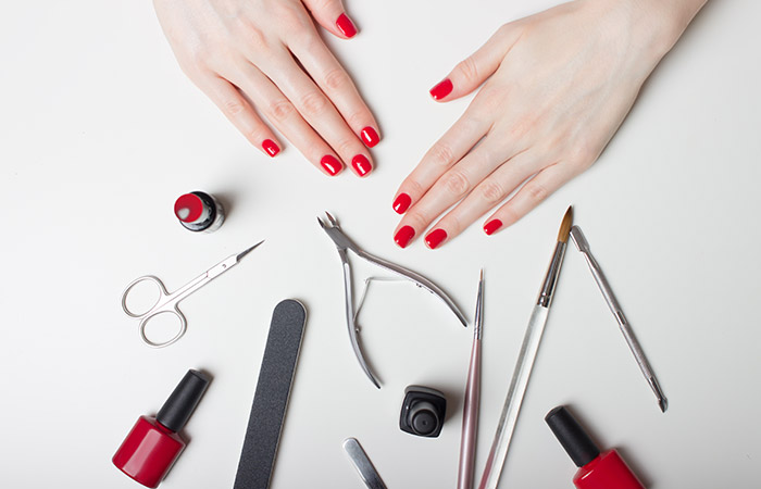 What is Manicure in Hindi