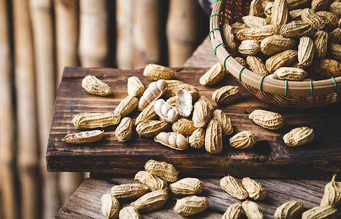 How to Choose Good Peanut in Hindi