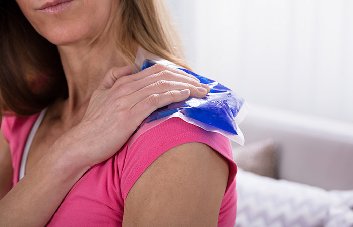 Ice pack for muscular pain in hindi