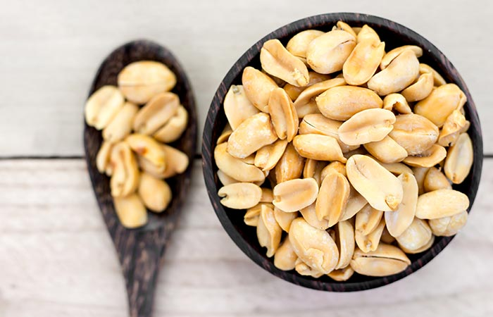 Learn about some important things about peanuts in Hindi