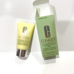 Clinique Dramatically Different Moisturizing Lotion+ -suitable for oily skin as well-By riya_neema