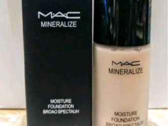 MAC Matchmaster SPF 15 Foundation -Good for oily skin-By kiran@2203
