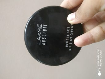 Lakme Absolute White Intense Wet & Dry Compact -Compact is wet and dry both but how?-By nkulsoom001