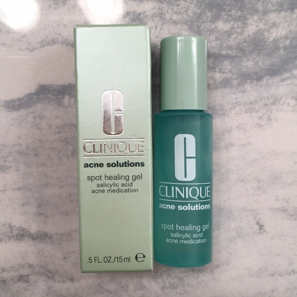 Clinique Anti Blemish Solution Kit-This was a wow product For me.-By alisha_shafique