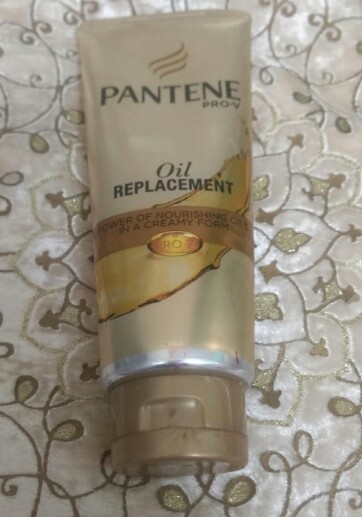 Pantene Pro-V Oil Replacement-Nice option for non-frizzy hairs-By amisha_sachan-5