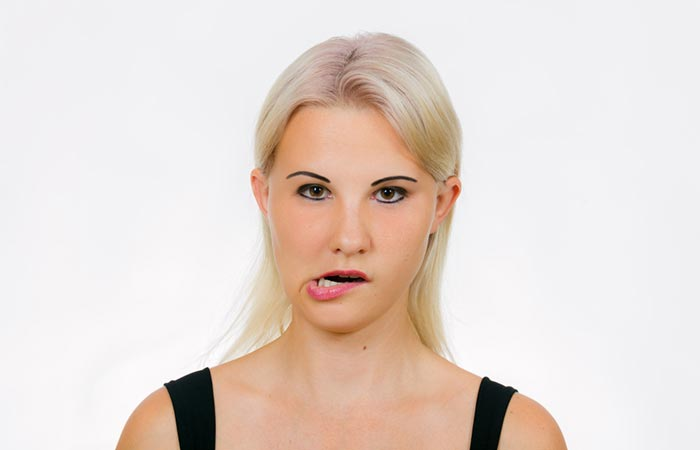 Shutterstock [196590039] You'll Need: </strong></p> <ul> <li>  Just your Jaws [lol] </li> </ul> <p><strong>  How To Use It: </strong> </p> <p>  All You Need to Do , is to open your mouth. And make the jiggles with their jaws from side to side. Continue to do this until you hear noises. Noise signals that the pressure from your ears is released and the ears will relax for a few minutes. </p> <h2>  6. Salt and mint leaves </h2> <div id=