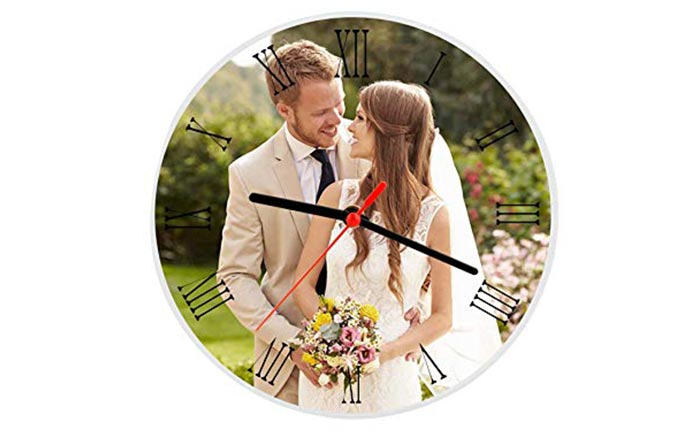 Customized clock with photo