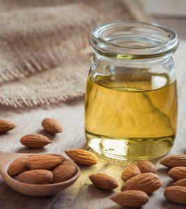 बादाम तेल (Badam Tel) के 13 फायदे, उपयोग और नुकसान - Almond Oil Benefits, Uses and Side E (5)