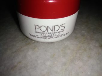 Pond's Age Miracle Cell ReGEN Day Cream SPF 15 PA++ -Worth.-By komal24
