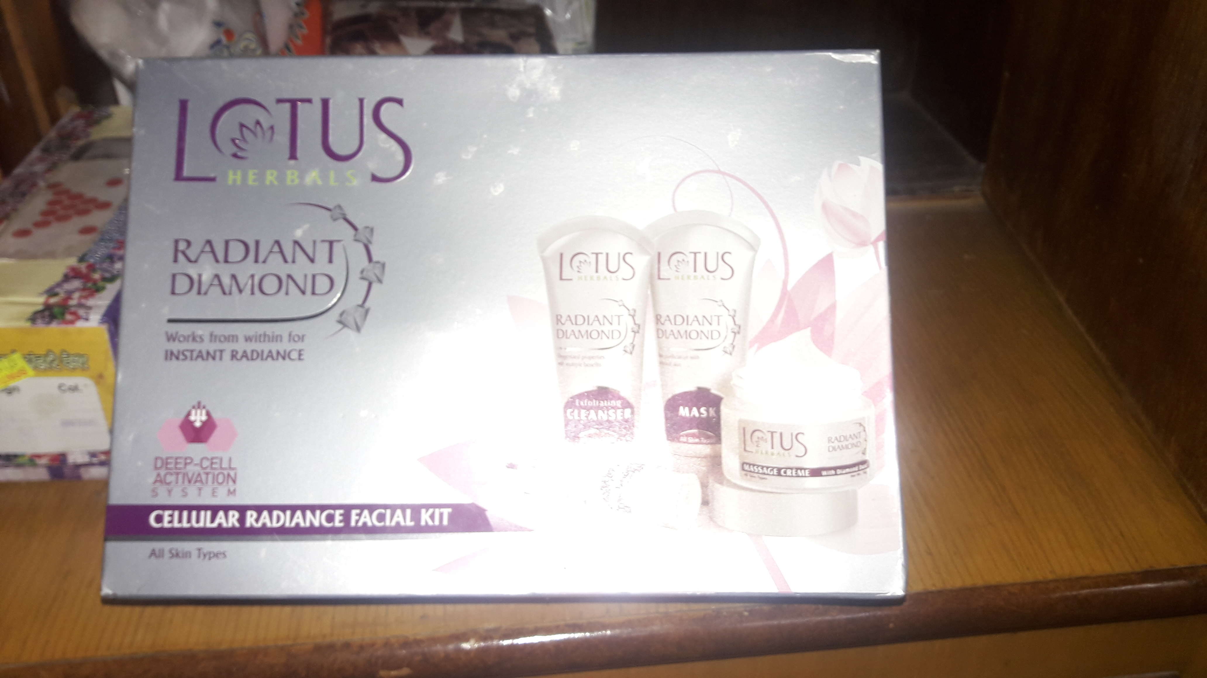 Lotus Herbals Radiant Diamond Facial Kit-Perfect facial kit for all skin type-By preeti29