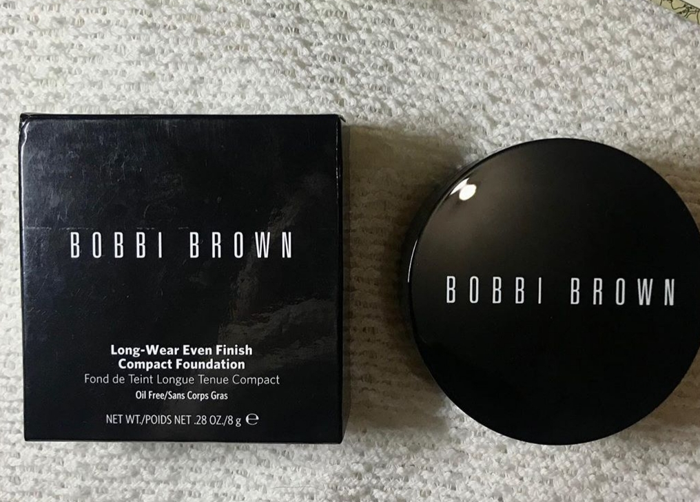Bobbi Brown Long Wear Even Finish Compact Foundation-Unique compact foundation-By shruti_joshi-1