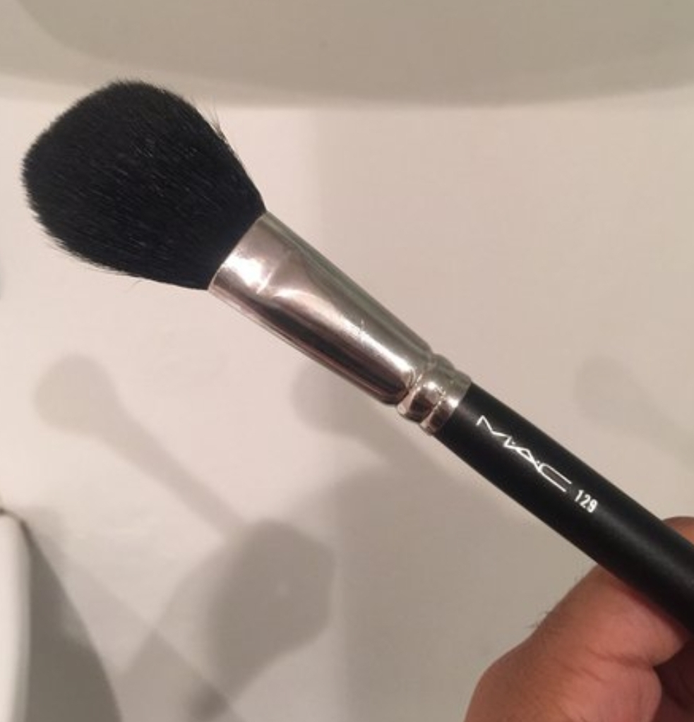 MAC Powder Blush Brush 129 pic 1-Multipurpose brush-By shruti_joshi