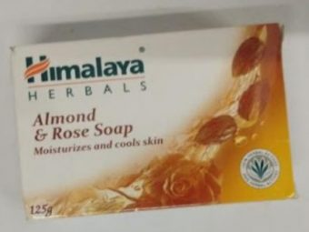 Himalaya Herbals Almond And Rose Soap pic 2-A good non greasy soap-By shruti_joshi