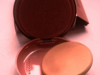 Lakme 9 To 5 Primer + Matte Powder Foundation Compact pic 2-smooth and silky texture-By riya_neema