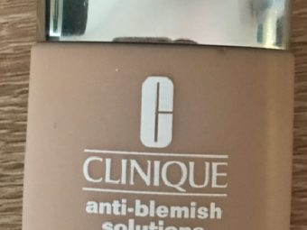 Clinique Anti Blemish Solutions Liquid Makeup foundation pic 1-good coverage over imperfections and acne-By Nasreen