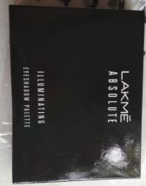 Lakme Absolute Illuminating Eyeshadow Palette-Inspired by runway trends-By riya_neema-1
