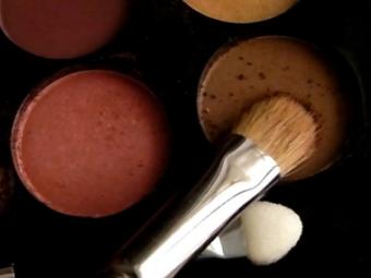 Lakme Absolute Illuminating Eyeshadow Palette pic 2-Awesome Product-By sapna_mundada