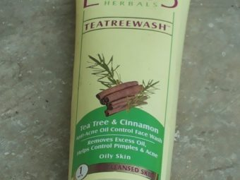 Lotus Herbals Teatreewash pic 2-Face wash for oily and acne prone skin-By shruti_joshi
