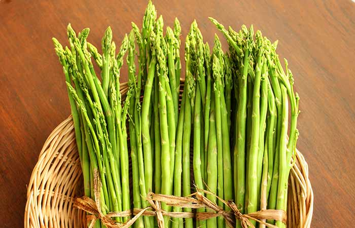 Benefits of Asparagus in Hindi