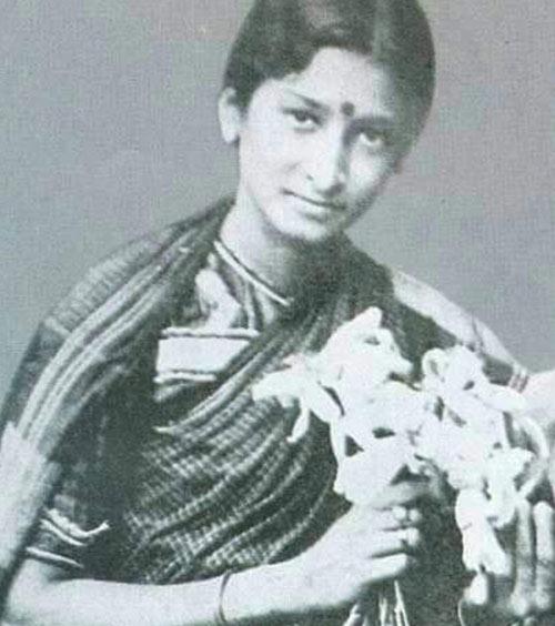 India's First Female Actor — Durgabai Kamat