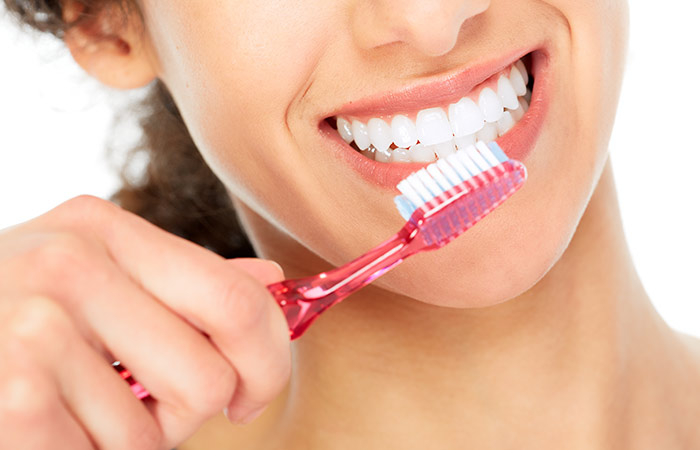 Tips for Teeth Whitening in Hindi