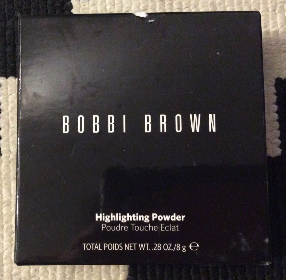 Bobbi Brown Highlighting Powder-Excellent highlighter-By aparna_dhakne-1