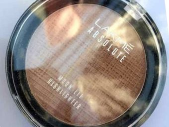 Lakme Absolute Moon-Lit Highlighter pic 1-pretty good-By Nasreen