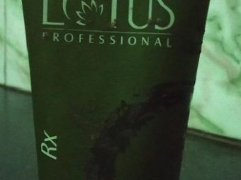 Lotus Herbals Phyto Rx Daily Deep Cleansing Face Wash pic 1-works great on oily skin-By Nasreen