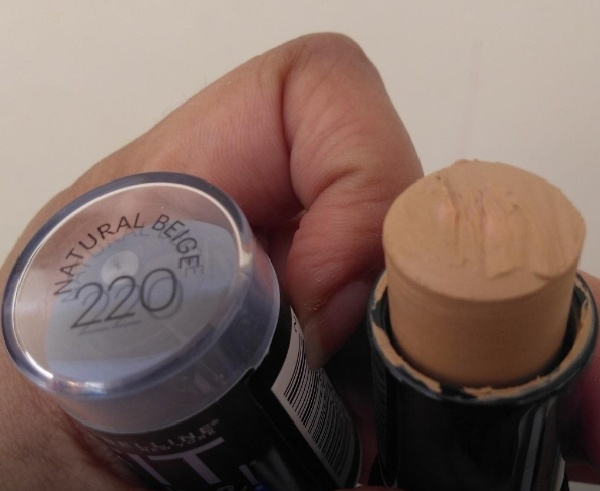 Maybelline New York Fit Me Shine Free Stick Foundation pic 2-okay-By Nasreen