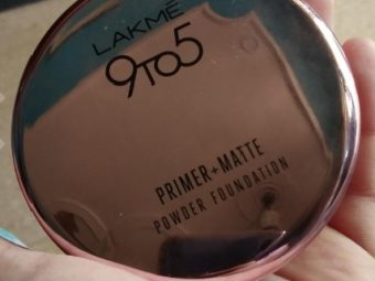 Lakme 9 To 5 Primer + Matte Powder Foundation Compact pic 1-sheer coverage and can be used as a compact-By Nasreen