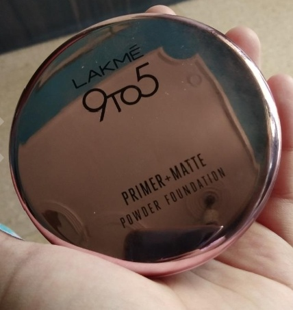 Lakme 9 To 5 Primer + Matte Powder Foundation Compact-sheer coverage and can be used as a compact-By Nasreen-1
