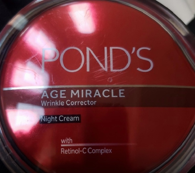 Ponds Age Miracle Wrinkle Corrector Night Cream pic 2-it is a moisturizer-By Nasreen