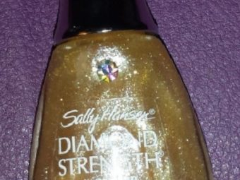 Sally Hansen Diamond Strength No Chip Nail Color pic 1-Average product-By Nasreen