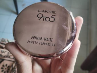 Lakme 9 To 5 Primer + Matte Powder Foundation Compact pic 1-Not good for oily skin at all-By Samidha_Mathur