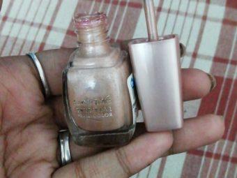 Lakme True Wear Nail Color pic 2-Cheap and Quality Nail Colours-By sindoori_jayaprakash