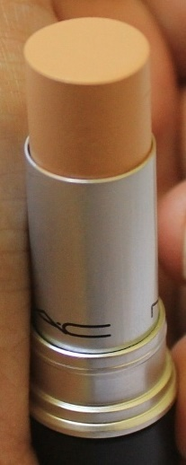 MAC Matchmaster Concealer-A complete match to your skin-By aparna_dhakne-1