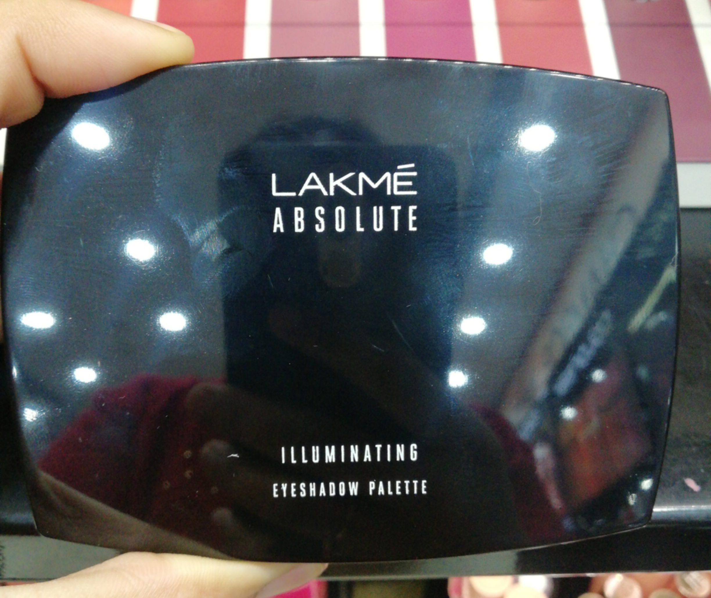 Lakme Absolute Illuminating Eyeshadow Palette-Lovely shades-By ragini_dhiman-1