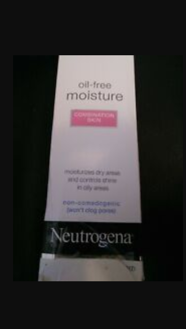 Neutrogena Oil Free Moisture Combination Skin-Can be coupled with medicated creams.-By samiya_saduf