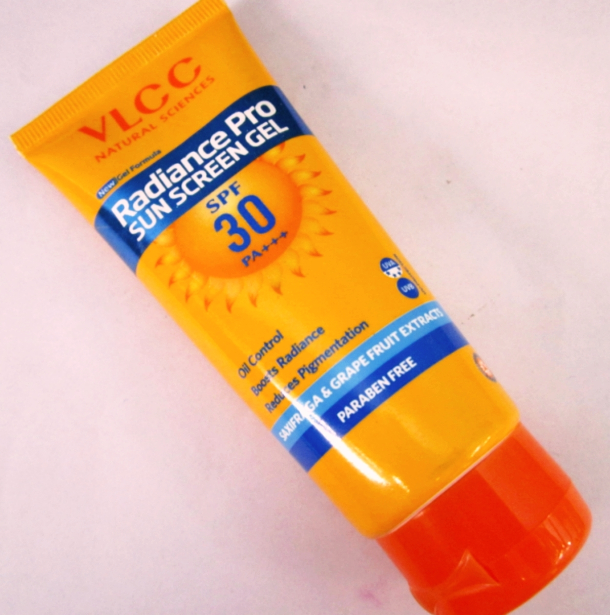 VLCC Matte Depigmentation Look Sun Screen Gel Creme pic 1-Ideal for all skin types-By riya_neema