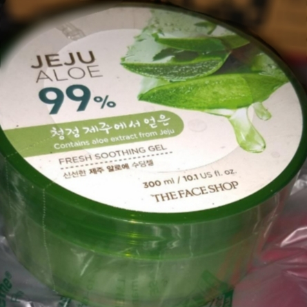 The Face Shop Jeju Aloe Fresh Soothing Gel-Soothens the skin-By manju_-2